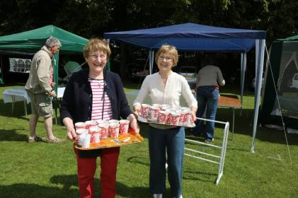 Lightwater Fete 2013 - Alan Meeks and Mike Hillman (7)