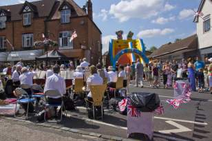 Bagshot Village Day 2014 - Mike Hillman (86)