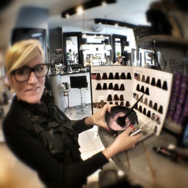 L'Oreal Colour Bar - Glo Salon - Camberley (11)