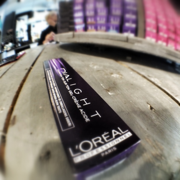 L'Oreal Colour Bar - Glo Salon - Camberley (8)