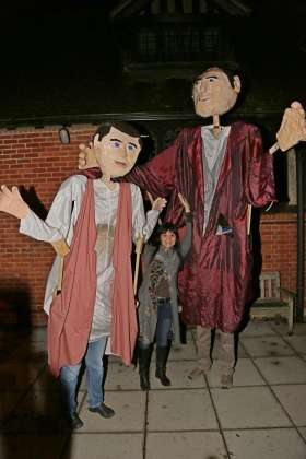 Giant Puppets - Alan Meeks - 16