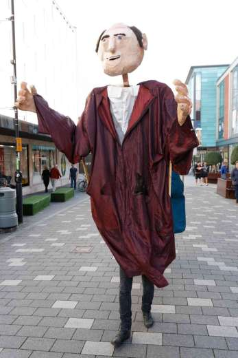 Giant Puppets - Andrew Kemp - 9