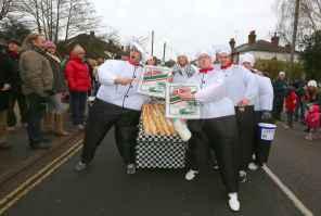 Windlesham Pram Race - Alan Meeks 10