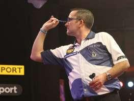 Darts Sunday afternoon - Alan Meeks 25