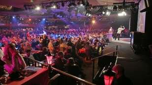 Darts Sunday afternoon - Alan Meeks 37