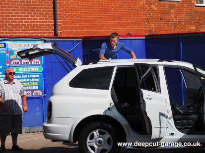 Deepcut Garage Charity Car Wash - August 2015 - 6