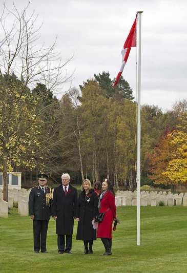 Canadian Remembrance _ Brookwood 2015 - Mike Hillman 16