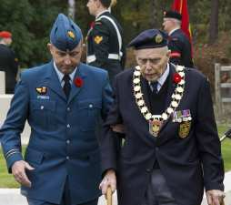 Canadian Remembrance _ Brookwood 2015 - Mike Hillman 28
