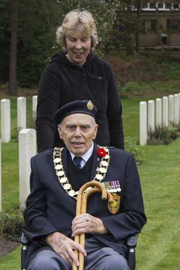 Canadian Remembrance _ Brookwood 2015 - Mike Hillman 55