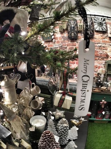 Inside Chobham Late - Christmas 2015 19