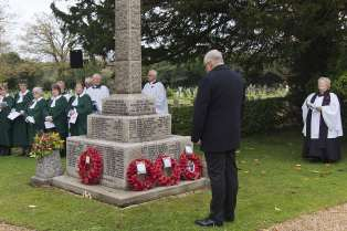 Windlesham Remembrance 2015 No 14