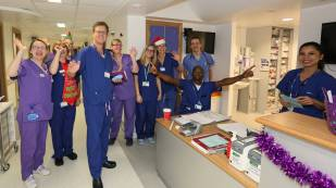 Frimley Park Hospital Carols - Alan Meeks 33