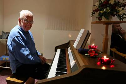 Frimley Park Hospital Carols - Alan Meeks 5