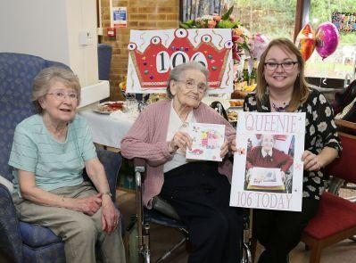 Queenie Bench at 106 21