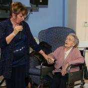 Queenie Bench at 106 28