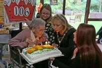Queenie Bench at 106 29