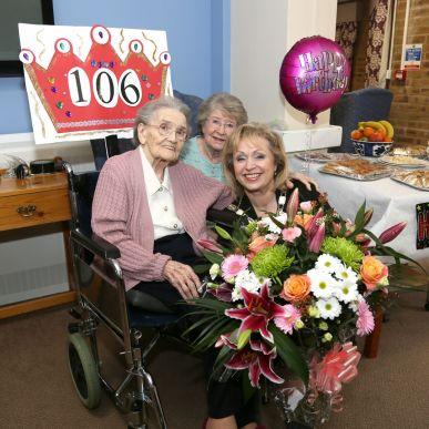 Queenie Bench at 106 6
