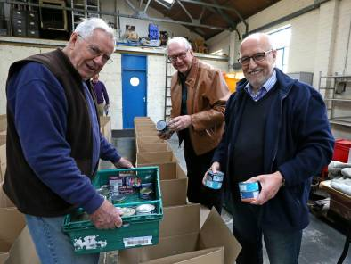 Rotary food parcels - Alan Meeks 11