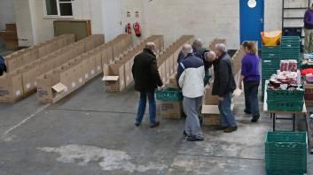 Rotary food parcels - Alan Meeks 13
