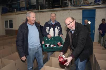 Rotary food parcels - Alan Meeks 14