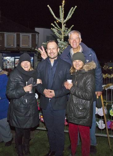 Windlesham Christmas Tree Lights 2015 - Mike Hillman 15