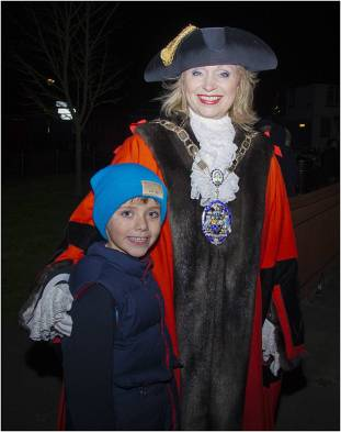 Windlesham Christmas Tree Lights 2015 - Mike Hillman 24