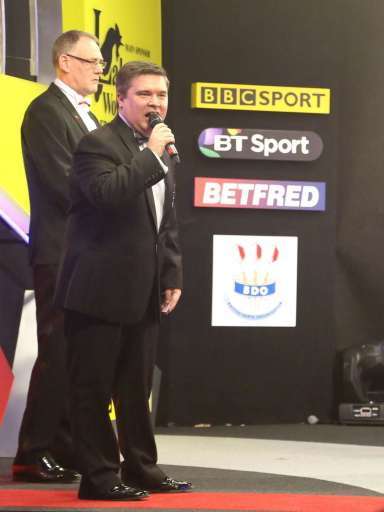 Lakeside BDO Darts 2 Jan 2016 - Alan Meeks 11