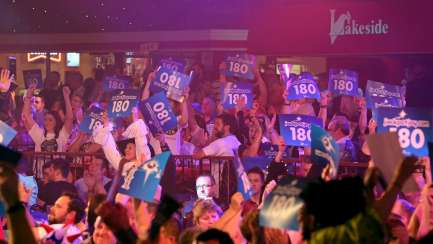 Lakeside BDO Darts 2 Jan 2016 - Alan Meeks 4