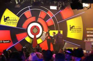 Lakeside BDO Darts 2 Jan 2016 - Alan Meeks 6