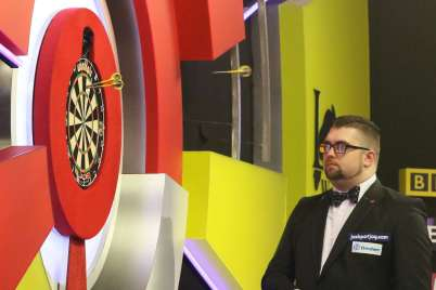Lakeside BDO Darts 2 Jan 2016 - Alan Meeks 72