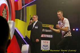 Lakeside BDO Darts 5 Jan 2016 afternoon - Alan Meeks 18