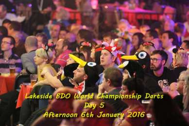 Lakeside BDO Darts 6 Jan 2016 afternoon - Alan Meeks 1