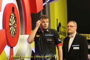 Lakeside BDO Darts 9 Jan 2016 - Alan Meeks 49