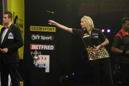 Lakeside BDO Darts 9 Jan 2016 - Alan Meeks 61