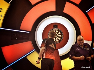 Lakeside World Darts Championship 2015 - Deachy - 42